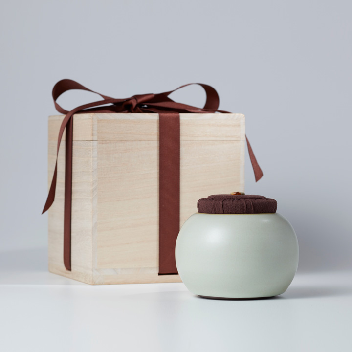 Age-old Harmony Tea Caddy Gift-box