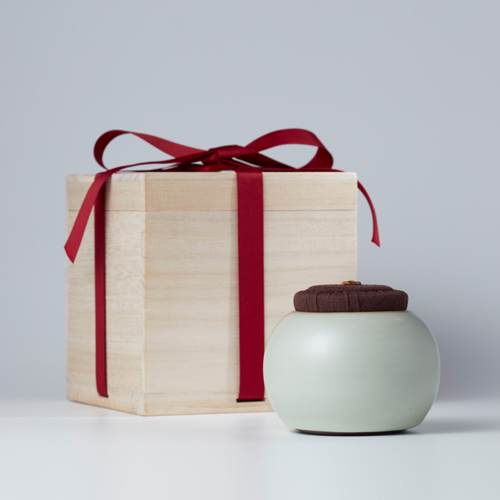 Enchanting Beauty  Tea Caddy Gift-box